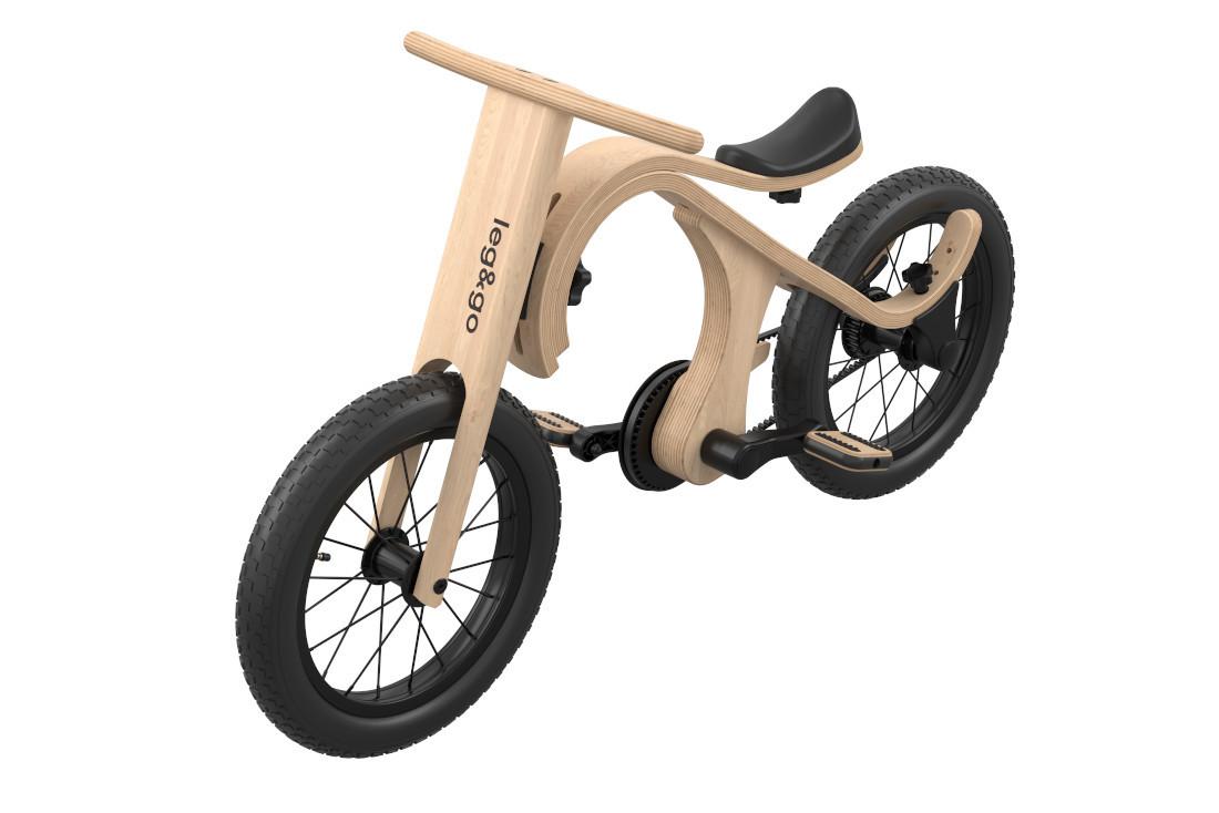Das Leg&Go Balance Bike läßt sich in ein echtes kleines Fahrrad verwandeln.