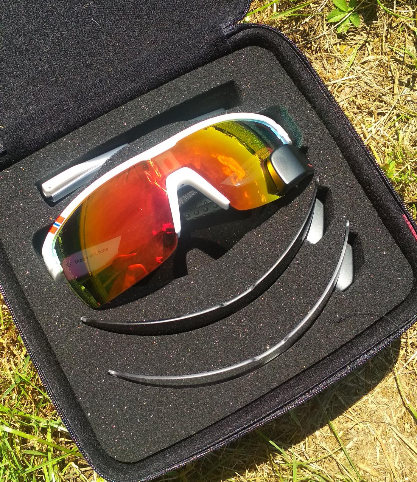 Case und Wechselgläser - TriEye Brille mit Rückspiegel